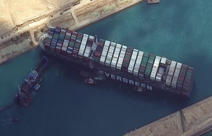 Провалилась новая попытка снять с мели контейнеровоз Ever Given