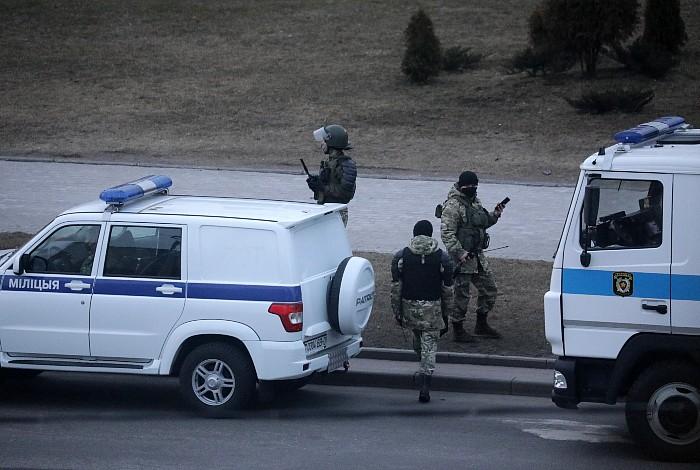 Очевидцы сообщили о задержаниях в преддверии акции оппозиции в Минске