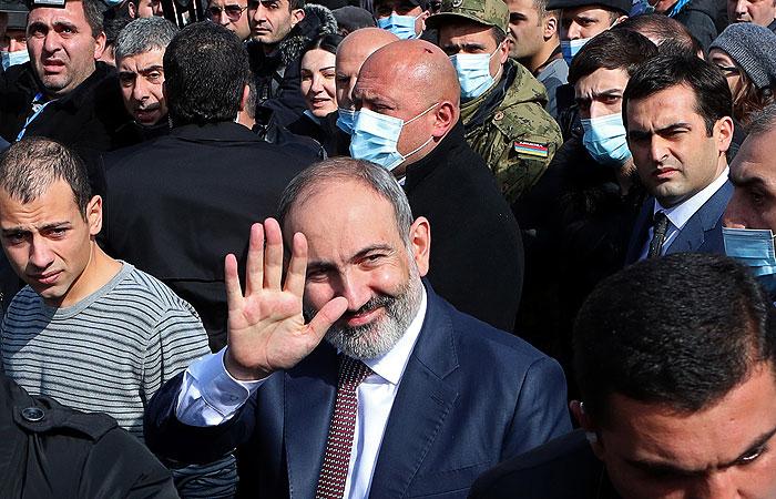 Пашинян подаст в отставку для проведения парламентских выборов