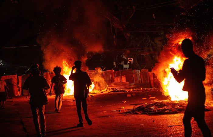 СМИ сообщили о гибели в Мьянме на протестах более ста человек за день