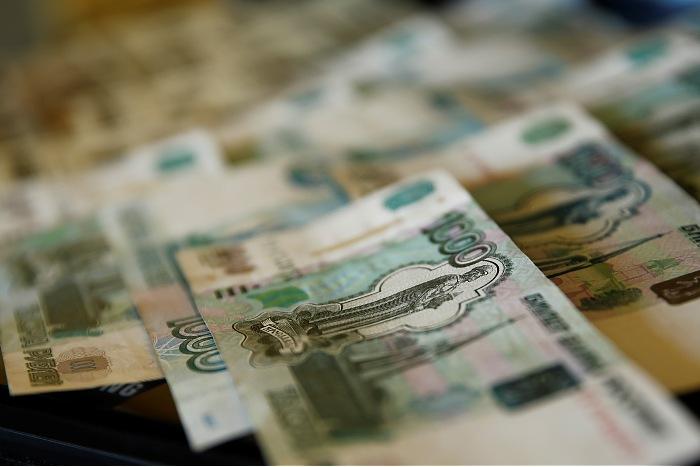 В апреле в РФ вырастут пенсии и пособия на детей