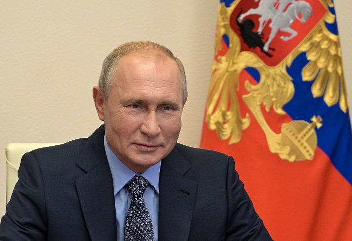 Путин не назвал выбранную им вакцину ни Поповой, ни Голиковой