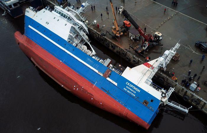 Найдено тело второго рабочего после опрокидывания судна в Ленобласти