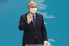 """Президент Казахстана привился от коронавируса """"Спутником V"""""""