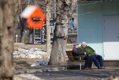 Регионы РФ не намерены возвращать домашний режим для людей старше 65 лет
