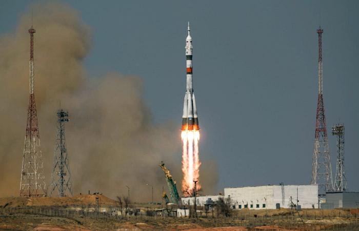 """Ракета """"Союз-2.1а"""" с новым экипажем МКС стартовала с Байконура"""