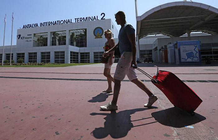 Источник сообщил о возможном ограничении на месяц авиасообщения с Турцией