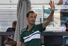 Теннисист Даниил Медведев заразился коронавирусом