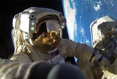 Российским космонавтам поднимут зарплаты на 50-70%