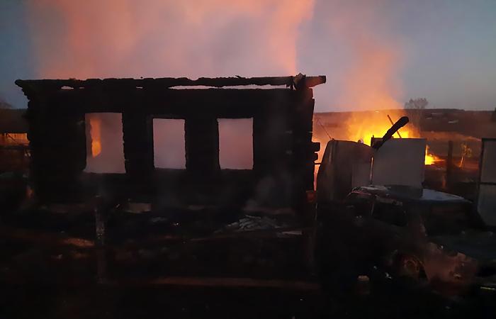 Причиной гибели 5 детей в пожаре на Урале могла быть ветхая проводка