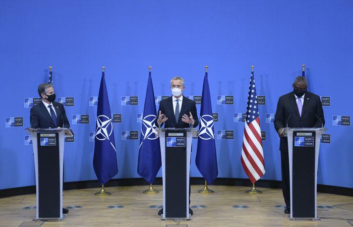 Все 30 стран НАТО обеспокоены действиями РФ на границе с Украиной
