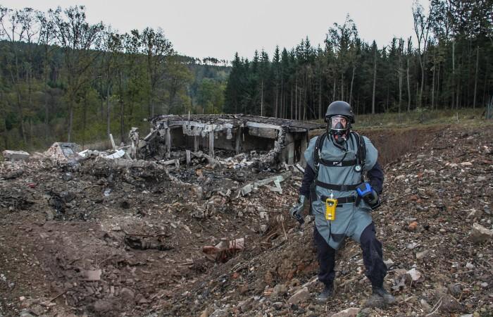 Премьер Чехии пообещал рассекретить данные о взрыве на складе в 2014 году