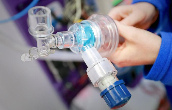 Более 75% пациентов с коронавирусом на ИВЛ в России умерли