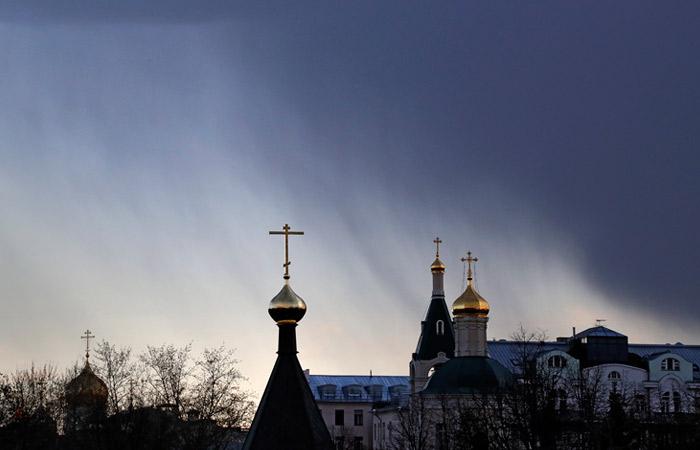 В Москву придут рекордные осадки, сильный ветер и скачки давления