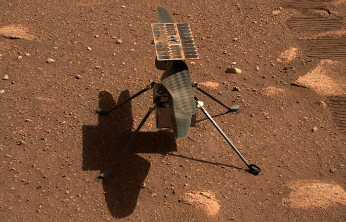 Вертолет НАСА успешно совершил первый полет на Марсе