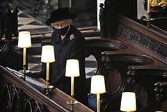 Королева Елизавета II отмечает 95-летие в трауре по супругу