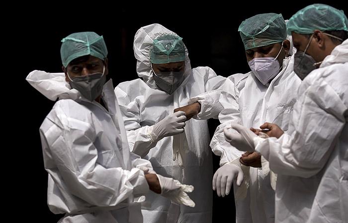 В Индии за сутки выявили почти 315 тысяч случаев COVID-19