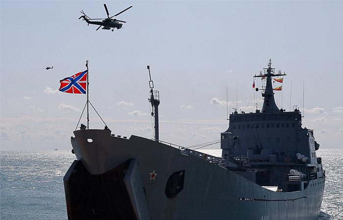 РФ привлекла к учениям в Крыму 10 тыс. военных и 40 боевых кораблей