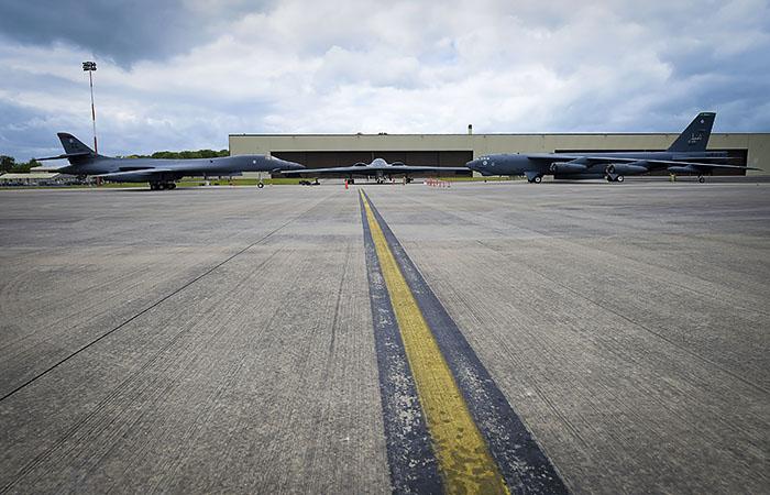 Пентагон приостановил полеты всех стратегических бомбардировщиков B-1B