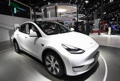 Cенаторы в США поставили под вопрос безопасность автомобилей Tesla