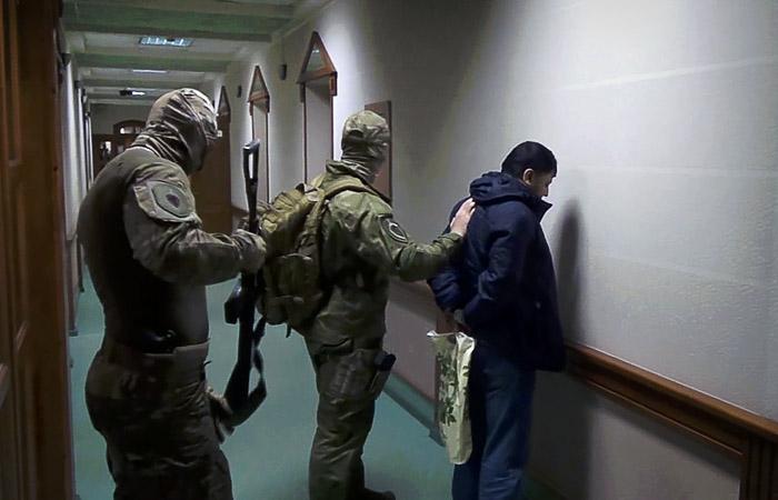 """ФСБ раскрыла ячейку """"Хизб ут-Тахрир"""", действовавшую в двух регионах РФ"""