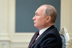 Путин решил объявить нерабочими дни между майскими праздниками
