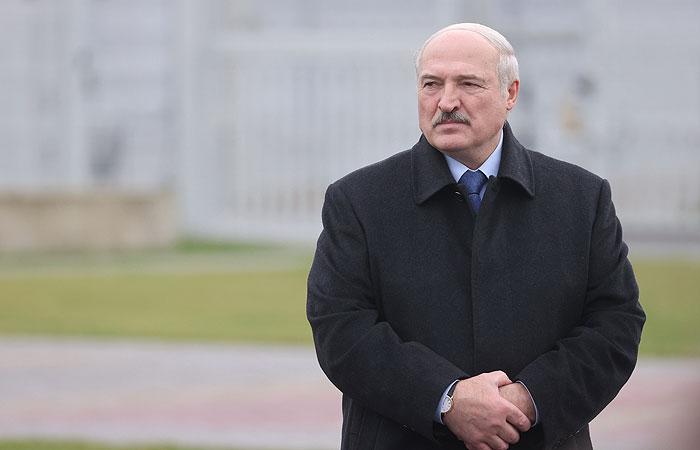 Лукашенко подготовит документ, допускающий передачу полномочий Совбезу