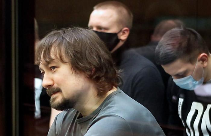 """Прокурор запросил от 7 до 16 лет для экс-полицейских из """"дела Голунова"""""""