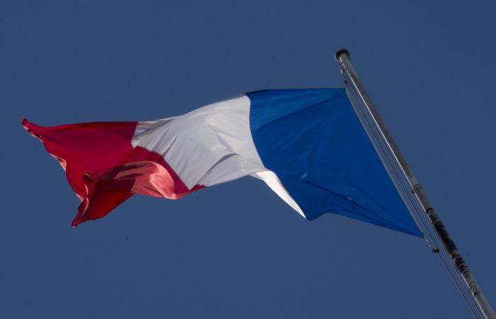 Французские военные предупредили Макрона об опасности расовой войны