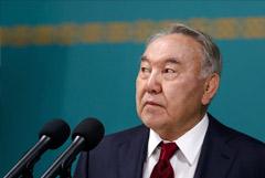 Назарбаев отказался от должности главы Ассамблеи народа Казахстана