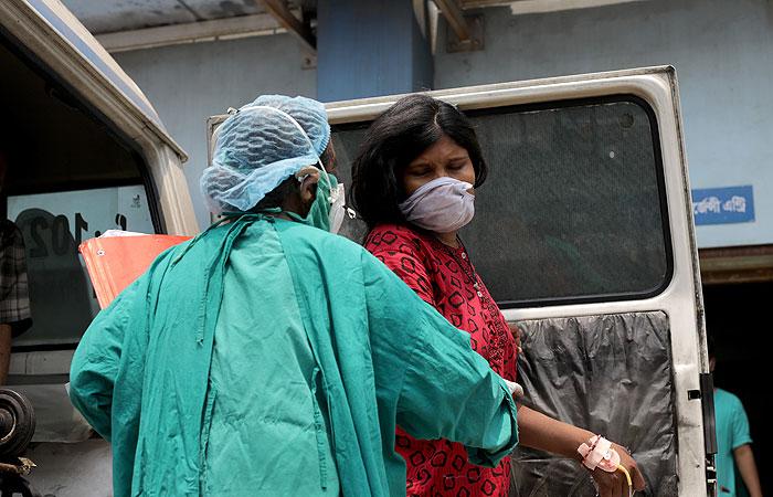В Индии впервые выявили более 400 тыс. случаев COVID-19 за сутки