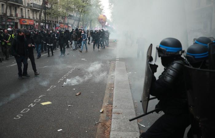 В Париже задержаны 34 участника первомайской демонстрации