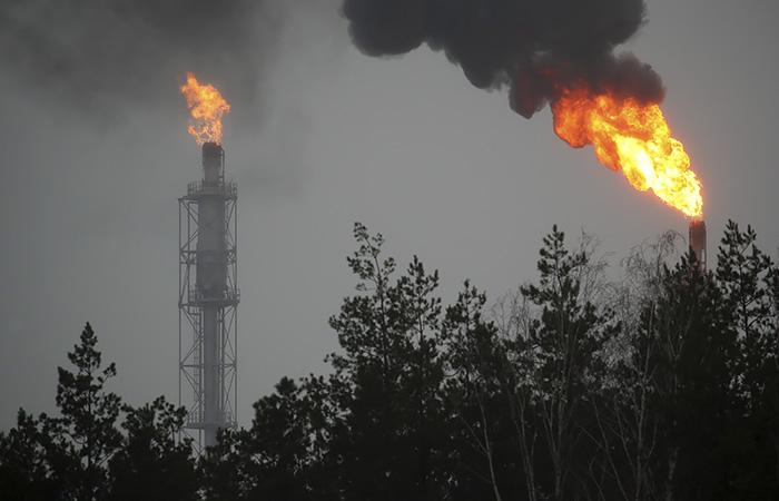 Поставки нефти из РФ в Белоруссию в мае снизятся в два раза к апрелю