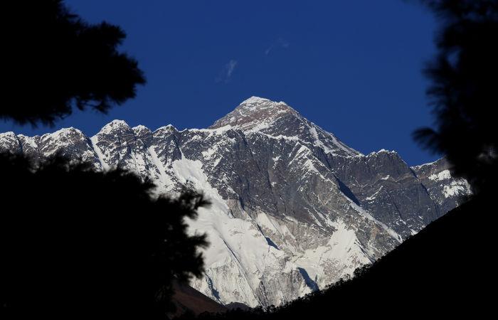 В базовом лагере Эвереста участились случаи заболевания COVID-19