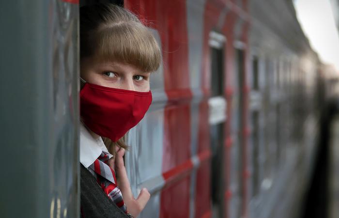 В России выявили почти 8 тысяч случаев COVID-19 за сутки