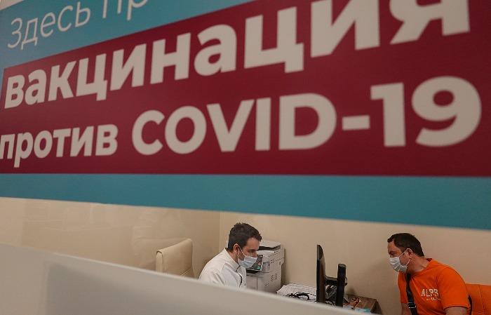 """В РФ вакцины """"Спутник Лайт"""" и """"КовиВак"""" включили в рекомендации по профилактике COVID"""