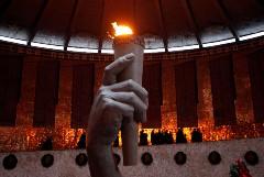 """""""Газпром"""" предложил бесплатно поставлять газ для """"Вечных огней"""""""