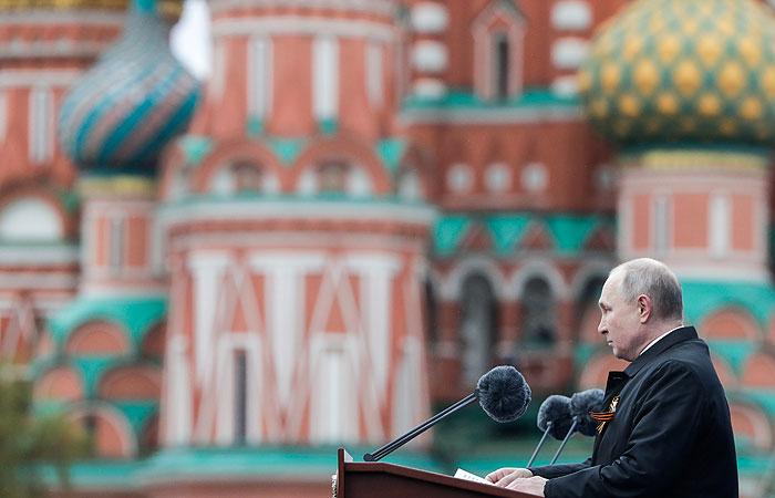 Путин предупредил об опасности возрождения идеологии нацизма