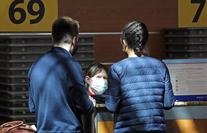 Мишустин выступил против закрытия выезда из РФ в связи с коронавирусом