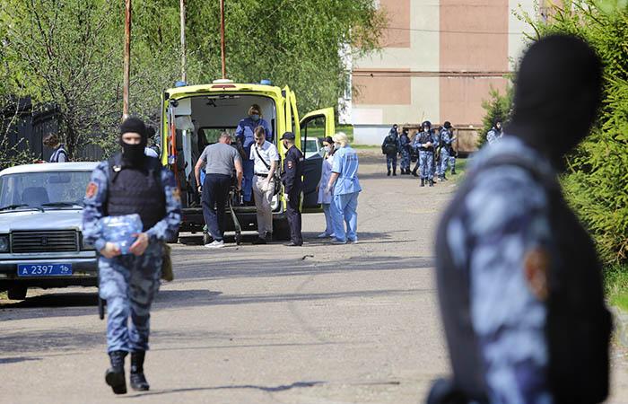 """В ТИСБИ решили наблюдать за """"тихими"""" студентами после стрельбы в Казани"""