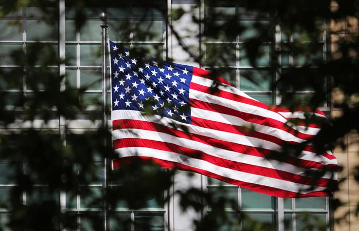 Посольство США должно будет прекратить наем россиян до 1 августа