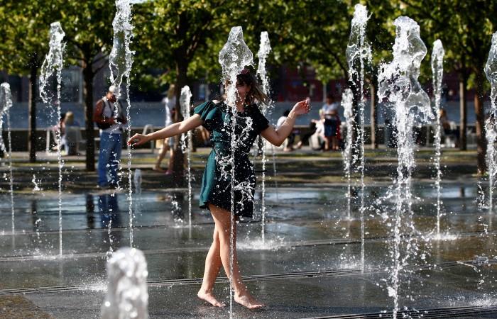 В Москву в понедельник придет тридцатиградусная жара