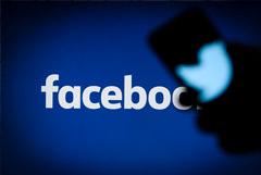 Роскомнадзор сократил замедление Twitter и пригрозил замедлить Facebook