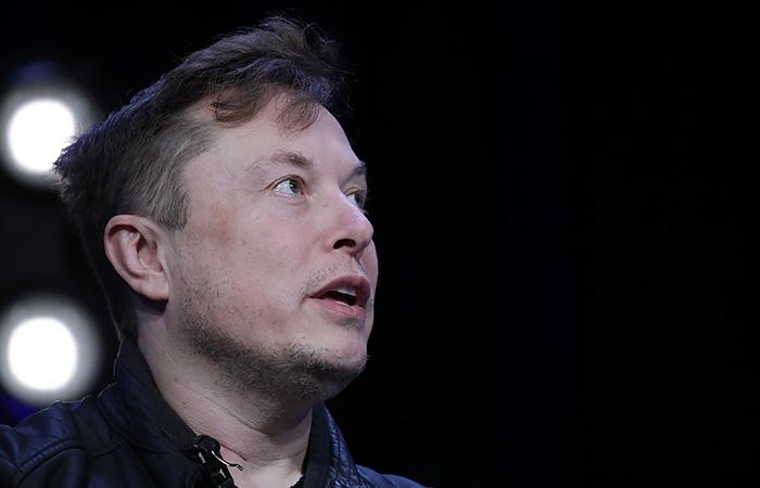 Илон Маск опустился на третье место в рейтинге богатейших людей мира