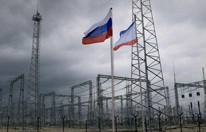 Одна из четырех ниток энергомоста в Крым оказалась повреждена