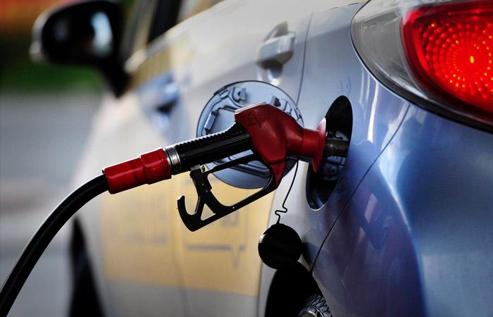 Трейдеры попросили Новака о срочных мерах по снижению оптовых цен на бензин