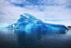Самый большой в мире айсберг откололся от ледяного шельфа в Антарктике