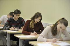 Во вторник российские выпускники начнут сдавать госэкзамены