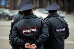 Российским силовикам с октября увеличат оклады