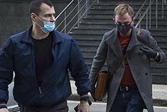 Голунов остался доволен приговором экс-полицейским